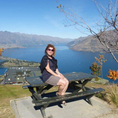 Zita Nováková na Bob's Peak u Queenstown na Novém Zélandu